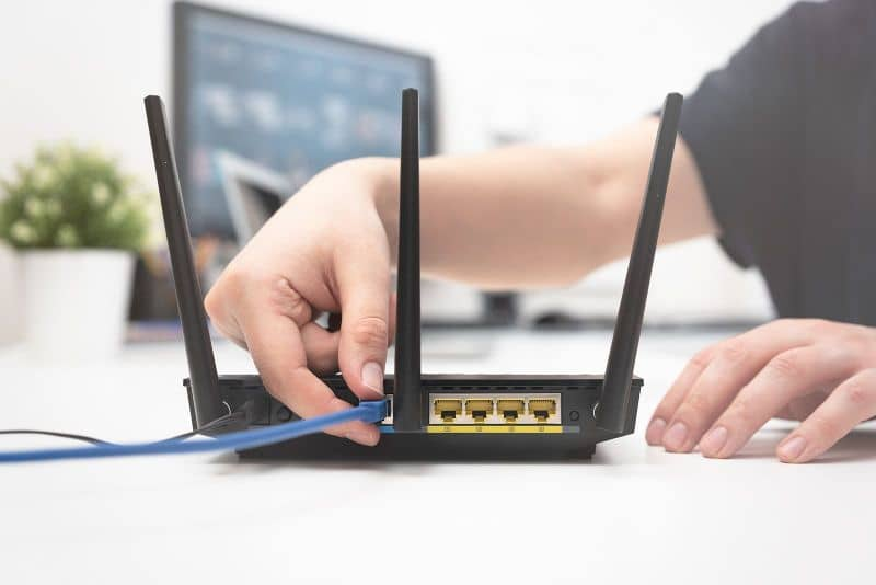 Person configuring router