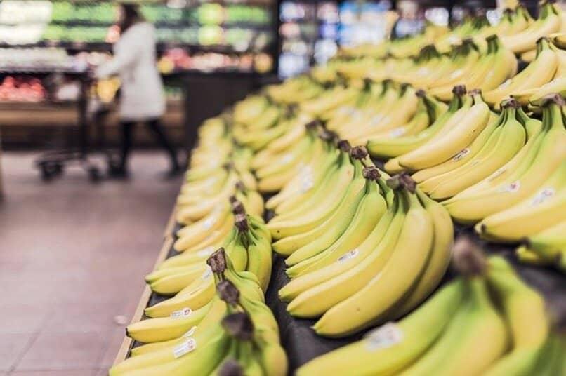 shelf bananas bananas