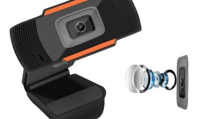 functions webcam with microphone included