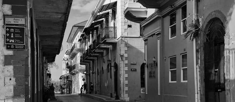single avenue white black