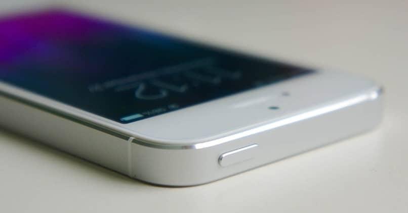 white iphone button