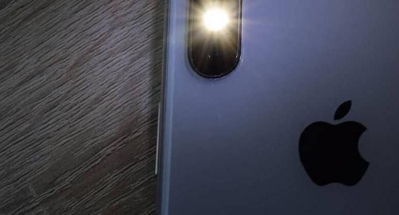 apple phone with flashlight