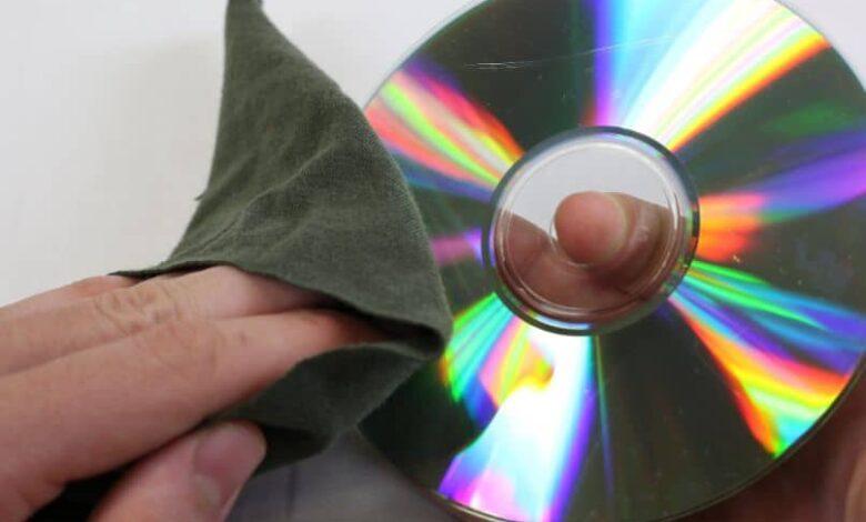 finger cloth cd white background
