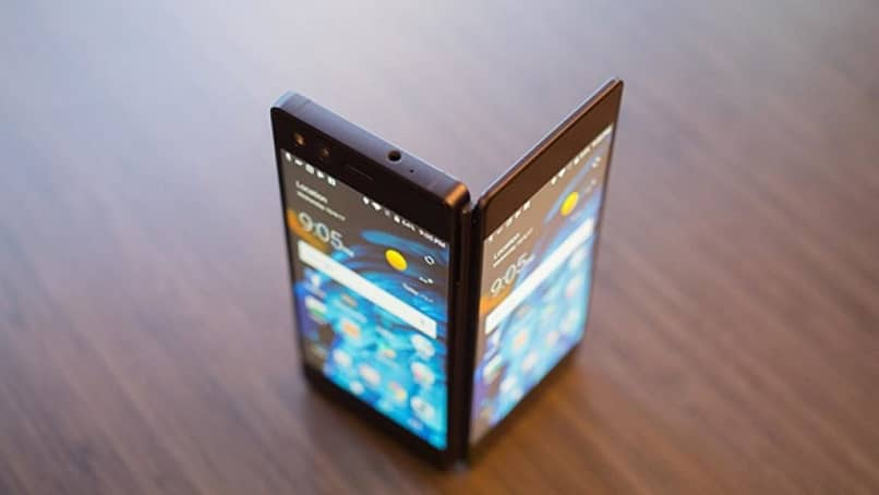 mobile with two screens