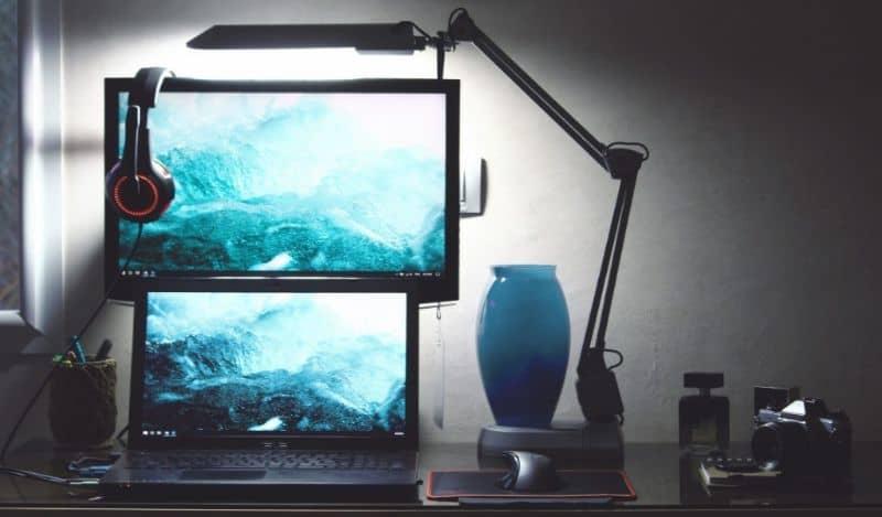 Multi-screen computer