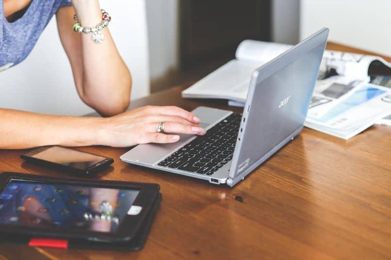 laptop slow connection