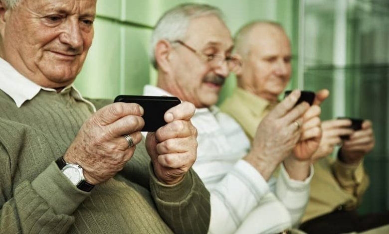 elderly people using smartphone