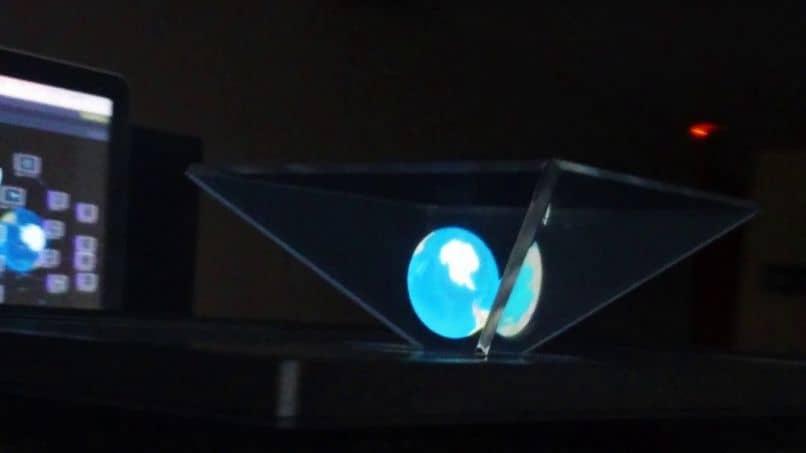 Make a Homemade Professional Hologram Projector