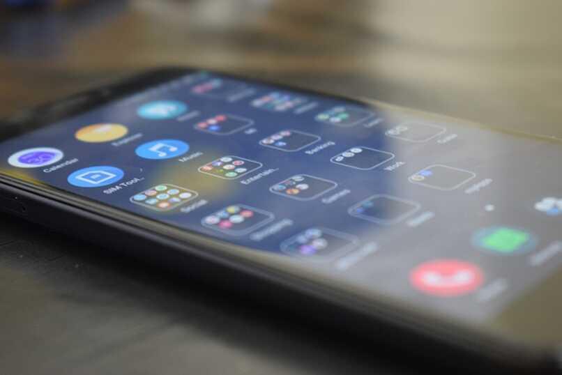 lanix phone with icons